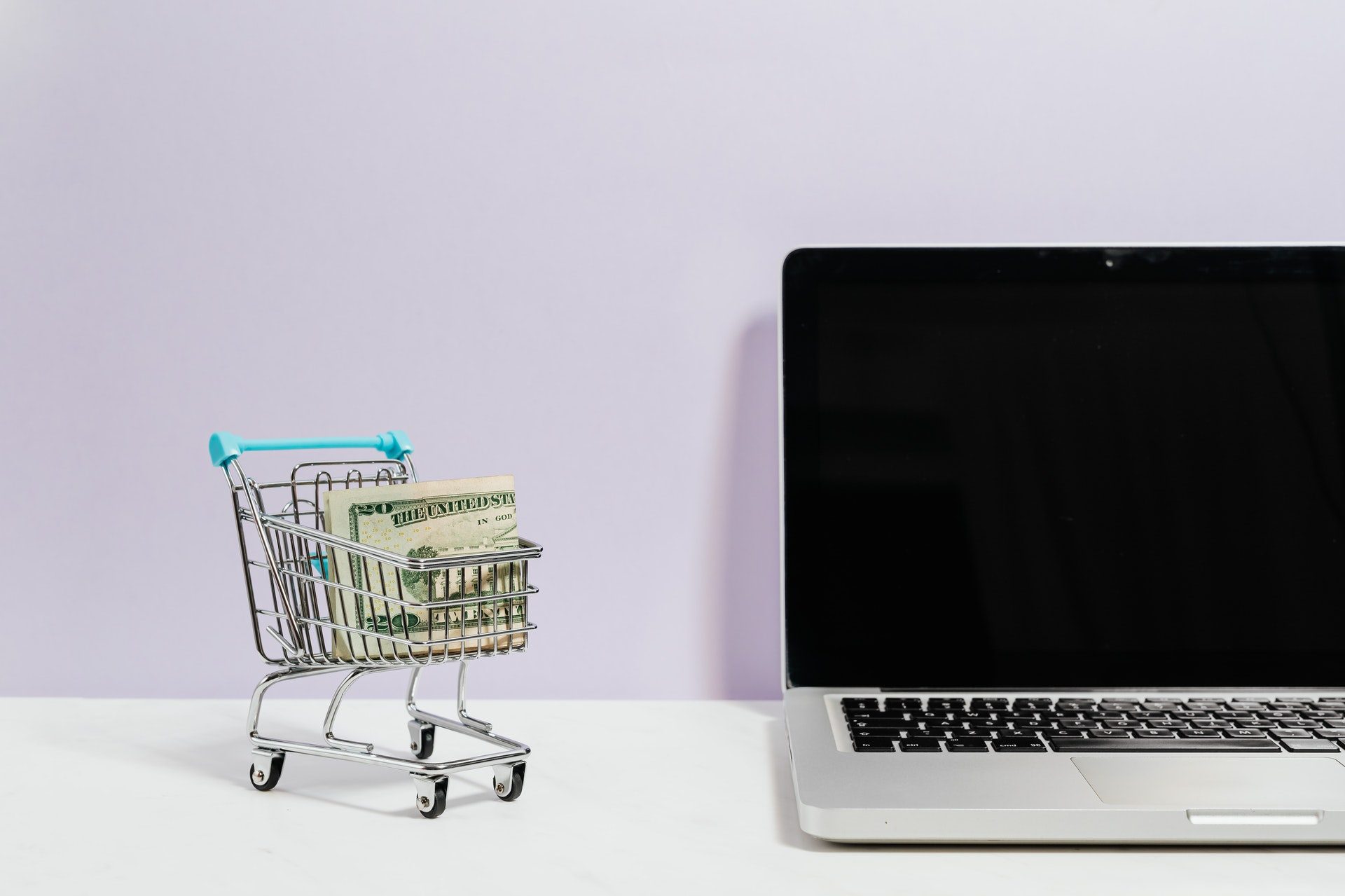 Dlaczego warto otworzyć sklep internetowy? Twój nowy sposób na zarabiani!